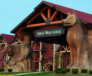Great Wolf Lodge facade